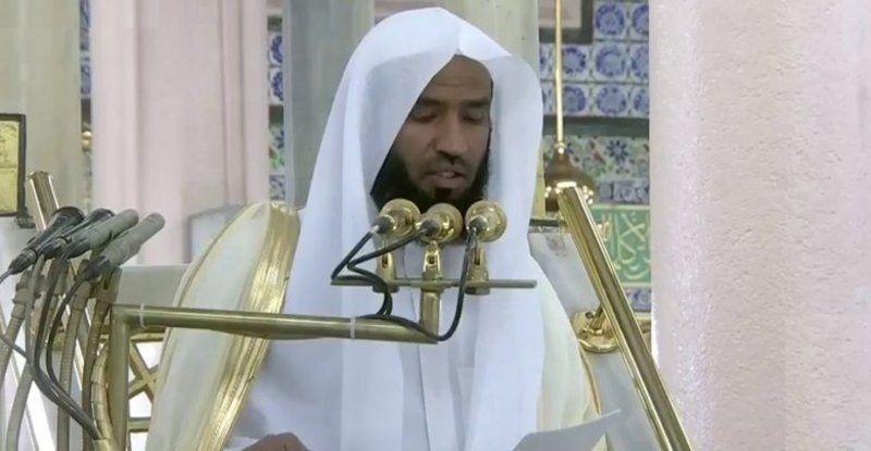 إمام المسجد النبوي يُسَلِّط الضوء على لمحات من سيرة المصطفى