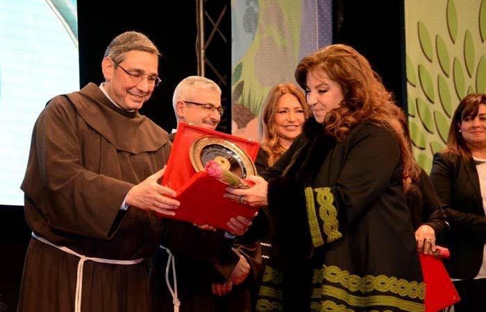 «وزن» ماجدة زكي واتهام نشوى مصطفى بالتحريف| لقطات أثارت الجدل في حفل «الكاثوليكي»