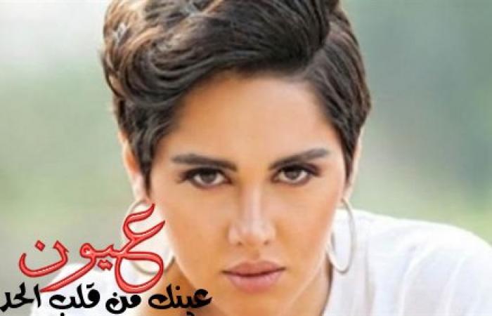 """ياسمين رئيس تستفز جمهورها بحلق في """"بطنها"""".. صورة"""