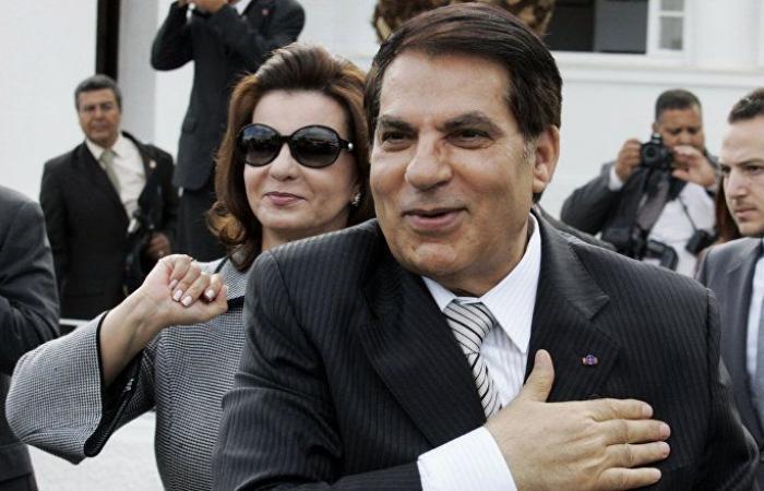 """ظهور """"غير مسبوق"""" للرئيس التونسي زين العابدين بن علي في السعوية... ماذا كان يفعل"""
