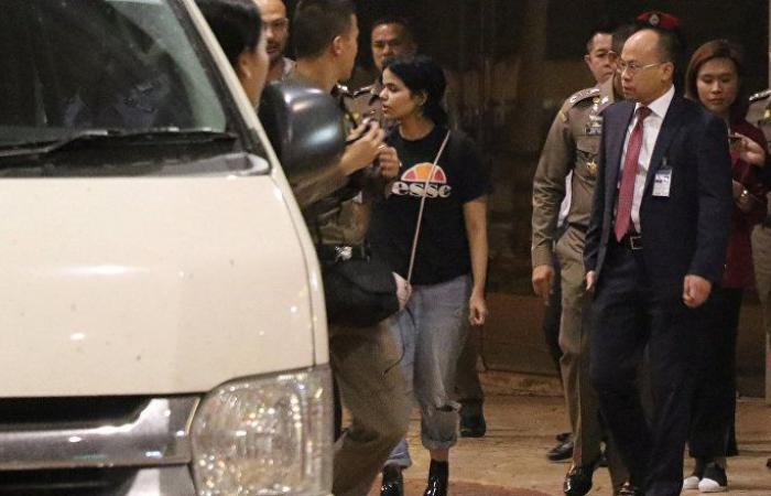 """مسؤول سعودي يعلق على قضية """"الفتاة الهاربة"""" لتايلاند بـ""""طريقة ساخرة"""" (فيديو)"""