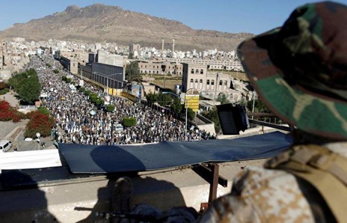 """""""أنصار الله"""" تعلن صد هجوم للجيش اليمني على مواقع في جيزان"""