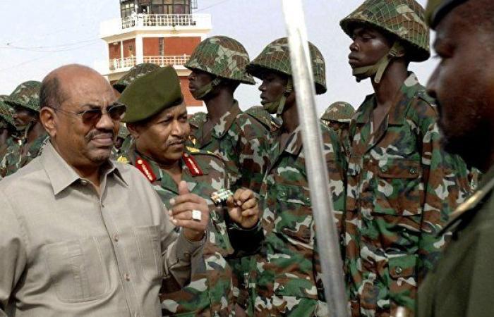 """السودان... قرار بشأن """"إطلاق الشرطة"""" نيران على متظاهرين داخل مستشفى"""