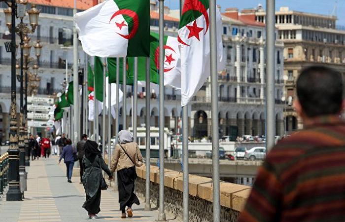 بالفيديو... السفير البريطاني يهنئ الجزائريين متحدثا بالأمازيغية