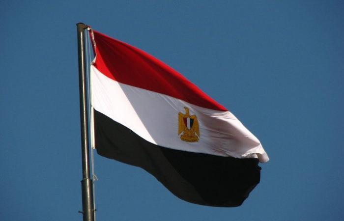 الحكومة المصرية تبحث إجراءات نقل جثامين المتوفين بحادث سير في الكويت