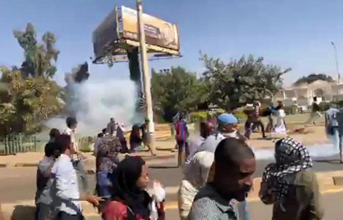 الاتحاد الأوروبي يعلق على احتجاجات السودان ويدعو لإطلاق سراح المعتقلين