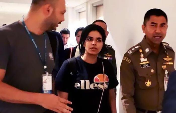 لحظة وصول الفتاة السعودية الهاربة إلى كندا