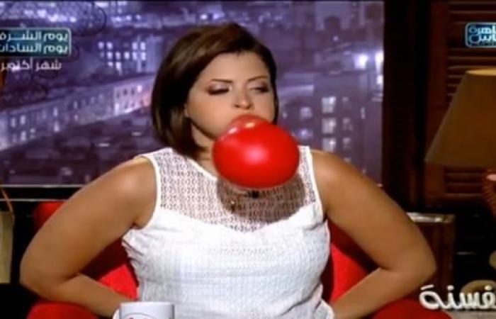 بالفيديو| منى فاروق تفشل في «تحدي النفخ»