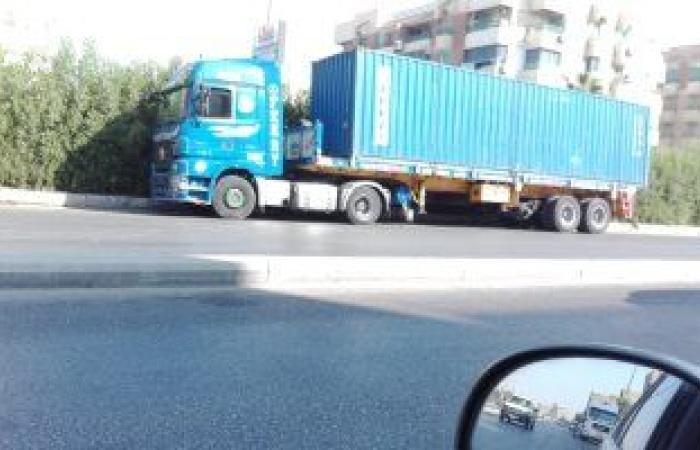 تعرف على مخالفة إيقاف سيارات النقل على الطرق وفقا لقانون المرور الجديد