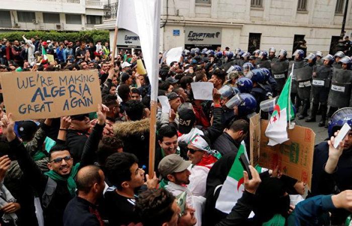السلطات الجزائرية تغلق الطرق المؤدية إلى مقر الحكومة والبرلمان