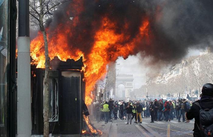 السعودية تحذر مواطنيها في فرنسا