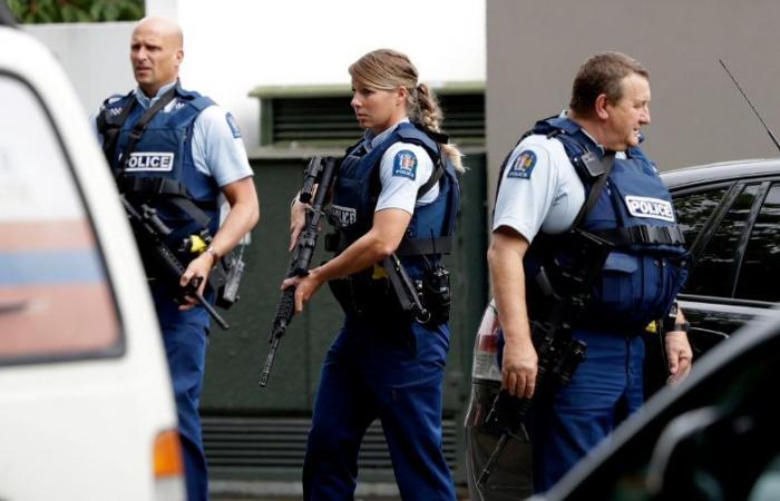 """إغلاق مطار """"دنيدن"""" بنيوزيلندا بعد العثور على عبوة ناسفة"""