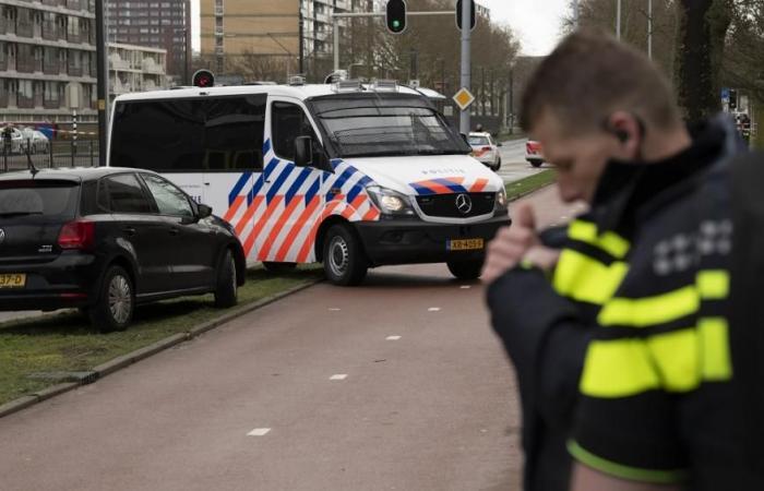 تفاصيل خطيرة في حادث هولندا.. المشتبة به متهم في قضايا قتل وتهديد للشرطة وسطو وسرقة وسكر أثناء القيادة