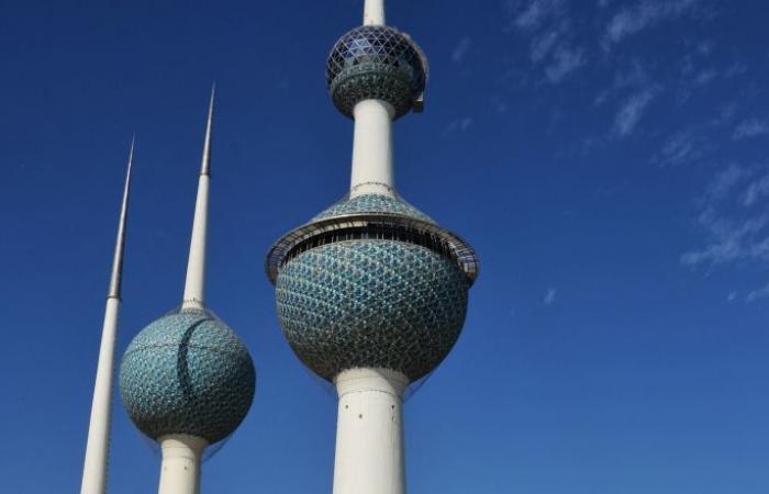 قتلى ومصابون في انهيار مسجد بالكويت