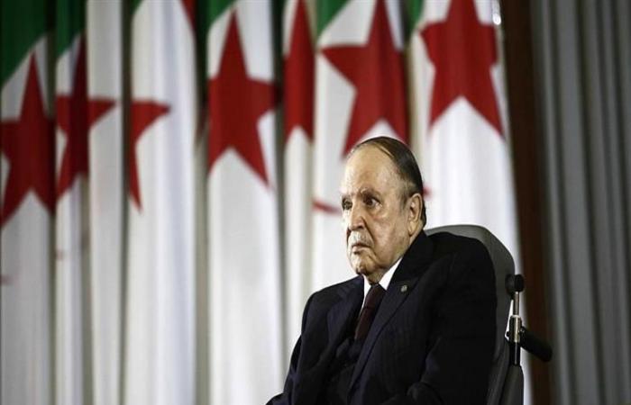 """""""الرحيل يعني الرحيل"""".. إلى أين تتجه الجزائر بعد بوتفليقة؟"""