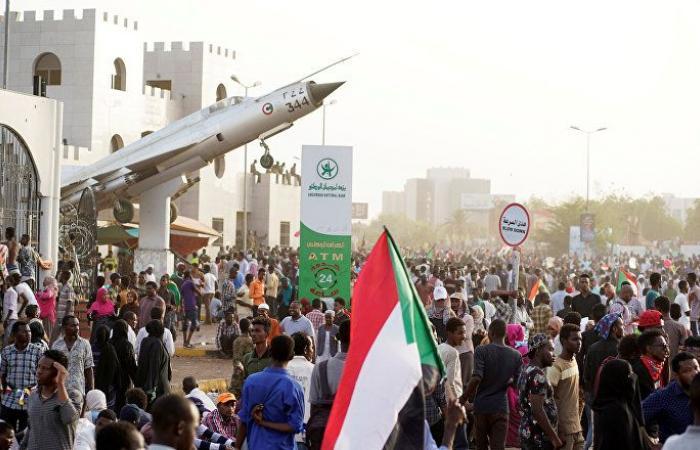 تجمع المهنيين في السودان يدعو إلى التمسك بخيار السلمية