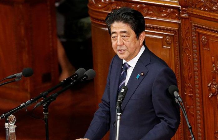 رئيس وزراء اليابان يبلغ وزير الخارجية الإيراني بقلقه إزاء التوتر المتزايد في الشرق الأوسط