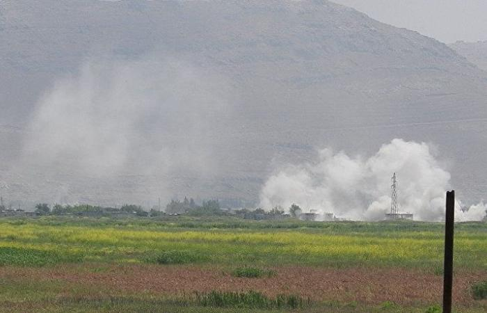 """شاهد... فرار ناجح لمسلحي """"النصرة"""" أمام جنود الجيش السوري في """"الحويز"""" بريف حماة"""
