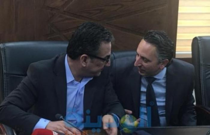 شاهد بالفيديو والصور : تسجيل لقاء الرزاز والحكومة بلجنة الاقتصاد النيابية