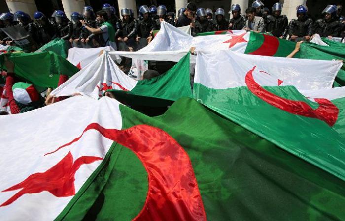 صحيفة: لم يترشح أحد لانتخابات الرئاسة الجزائرية