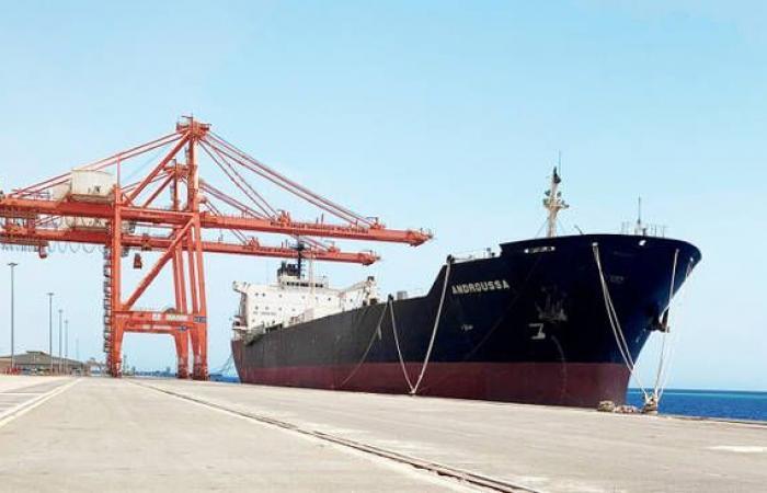 """""""جسكو"""" الإماراتية تدخل في شراكة لتشغيل ميناء الملك فهد الصناعي"""