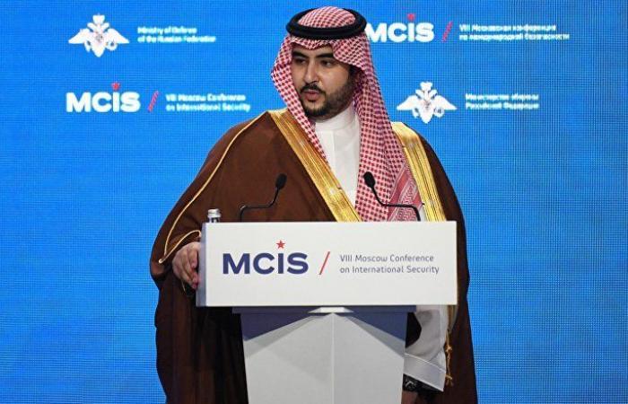 أول تعليق من خالد بن سلمان على استهداف الحوثيين مطار أبها السعودي بصارخ كروز