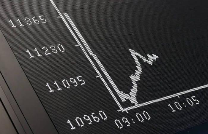 هبوط الأسهم الأوروبية بالمستهل مع عدم اليقين تجاه البريكست