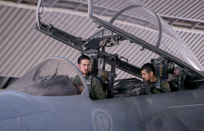 """طيران التحالف يستهدف تجمعات لـ""""أنصار الله"""" شمال غربي اليمن"""