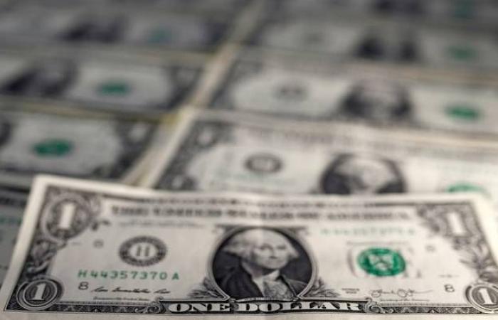 محدث.. الدولار الأمريكي يتحول للهبوط عالمياً مع ترقب قرار الفيدرالي