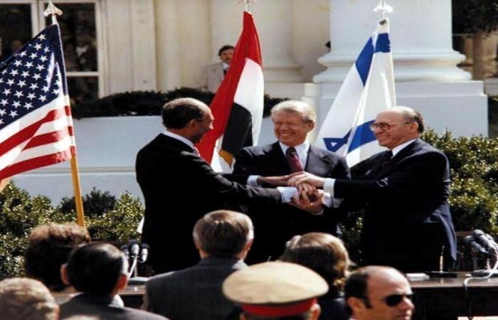 """رئيس إسرائيل يشكر السيسي لـ""""التزامه بالسلام"""" ولتعزيته في وفاة زوجته"""