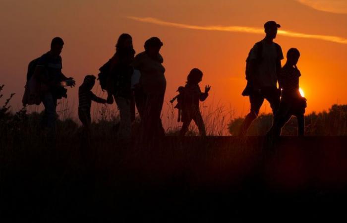 أسباب جغرافية وديموغرافية... العرب يتصدرون دول العالم بالهجرة إلى أوروبا