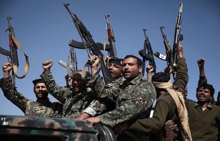 """""""أنصار الله"""" تعلن مقتل 30 عسكريا يمنيا في جيزان وعسير برصاص قناصتها"""