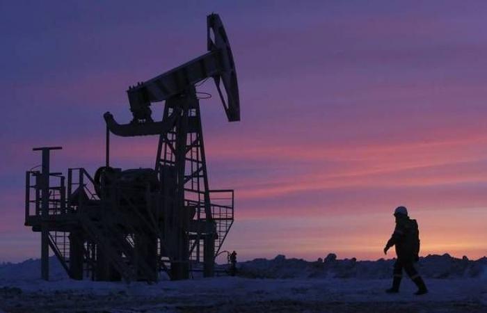مخزونات النفط بالولايات المتحدة ترتفع بعكس التوقعات