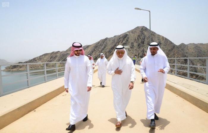 بالصور..رئيس شركة المياه السعودية يتابع رفع كفاءة سد وادي بيش