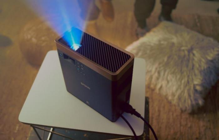 إبسون تصدر أصغر جهاز عرض ليزر بتقنية 3LCD في العالم