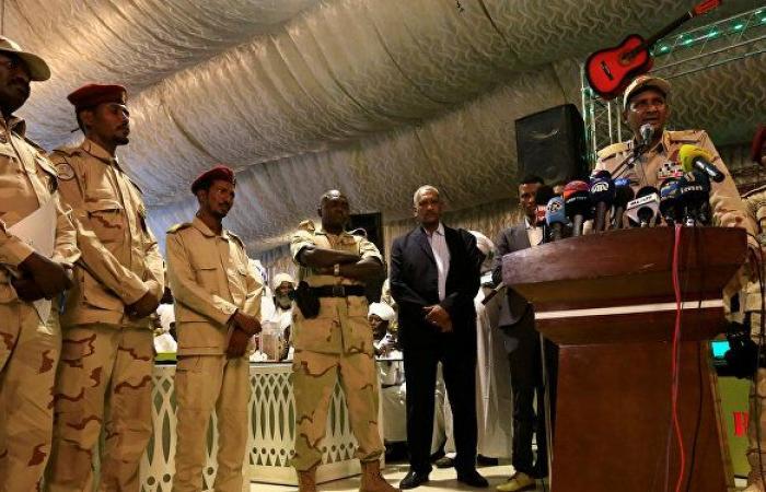 البرهان يصدر قرارا عسكريا بشأن مجموعة من الضباط