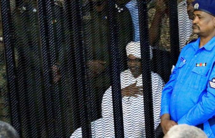 إعلام: حجز ممتلكات وأموال زوجة الرئيس السابق عمر البشير