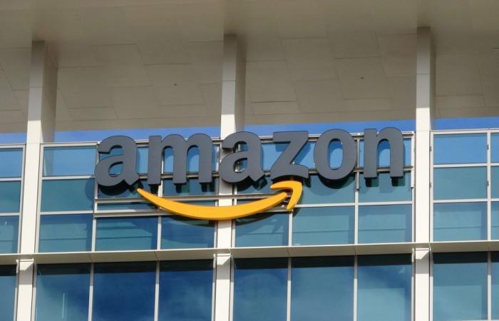 أمازون تجلب خيار الدفع النقدي للطلبات عبر الإنترنت