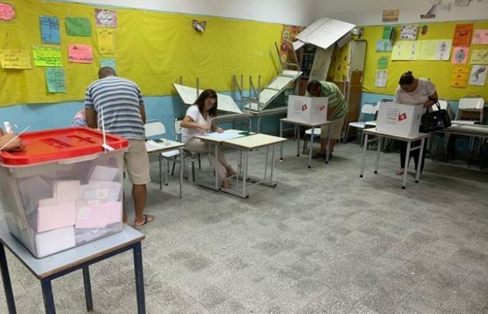 القضاء التونسي يبدأ نظر طعون المرشحين في الجولة الأولى للانتخابات الرئاسية