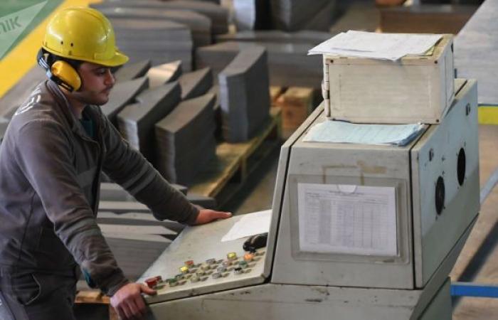 """تجار سوريون يتحركون... """"صندوق تدخلي"""" بالدولار لتعزيز قيمة الليرة يقلب الموازين"""