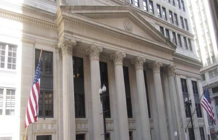 محضر الفيدرالي يكشف تزايد المخاوف بشأن الاقتصاد الأمريكي