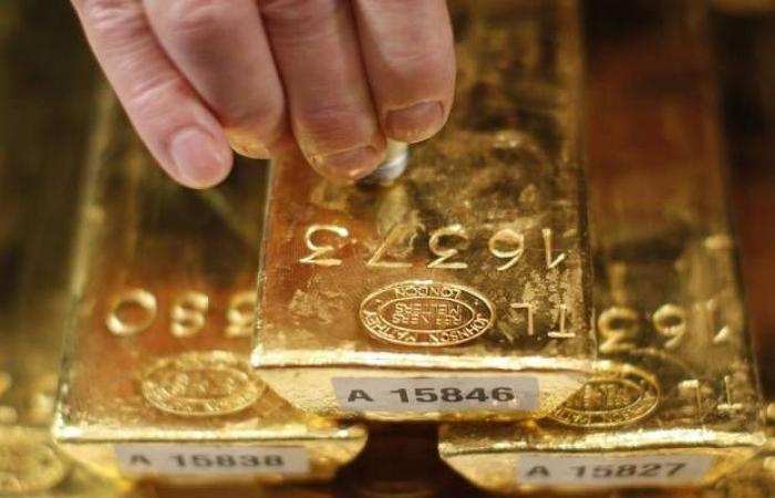 محدث.. الذهب يرتفع لأول مرة بـ4 جلسات ويربح 9 دولارات