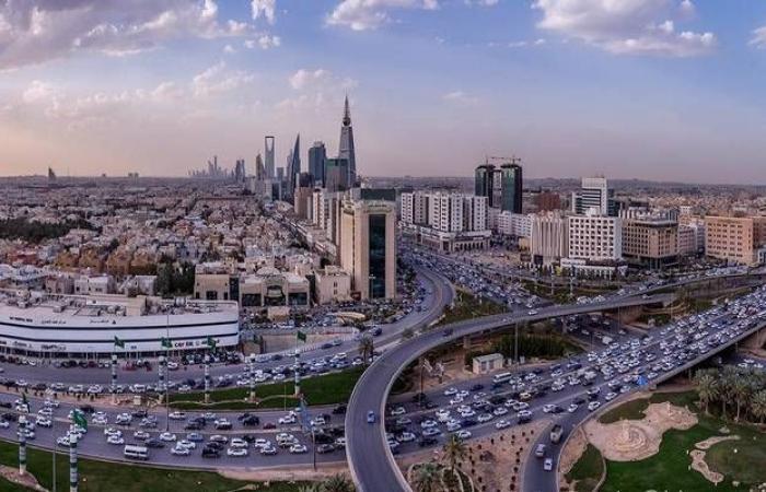 """رفع نسب التوطين واستمرار تراجع التضخم أبرز أخبار """"مباشر"""" بالسعودية..الاثنين"""
