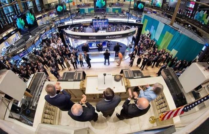 محدث.. الأسهم الأمريكية ترتفع بالختام بدعم التفاؤل التجاري