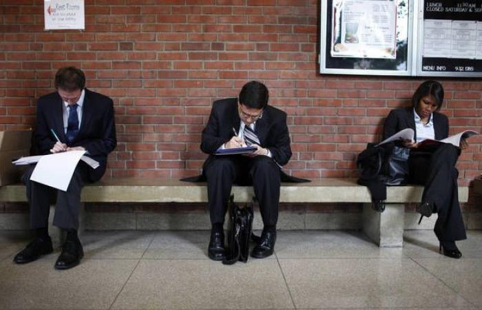 طلبات إعانة البطالة الأمريكية ترتفع لأعلى مستوى في 5 أشهر