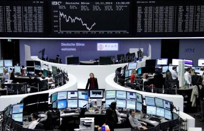 المخاوف التجارية تدفع الأسهم الأوروبية للهبوط عند الإغلاق