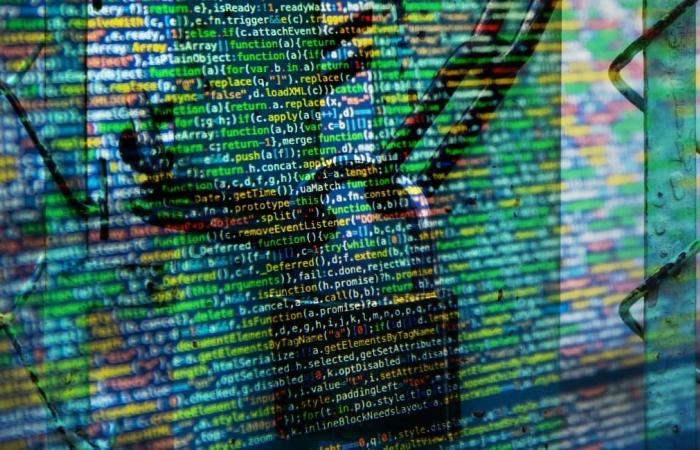 العثور على قاعدة بيانات تحتوي عشرات الملايين من رسائل SMS
