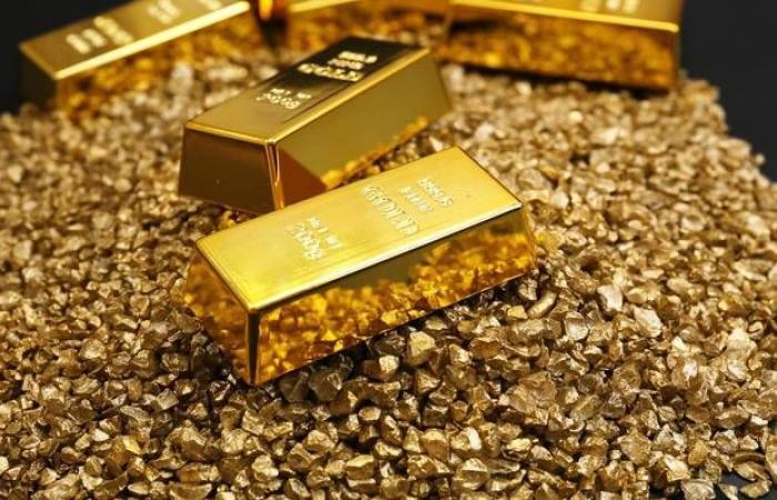 الذهب يسجل مكاسب عالمياً مع شكوك بشأن فعالية الصفقة التجارية