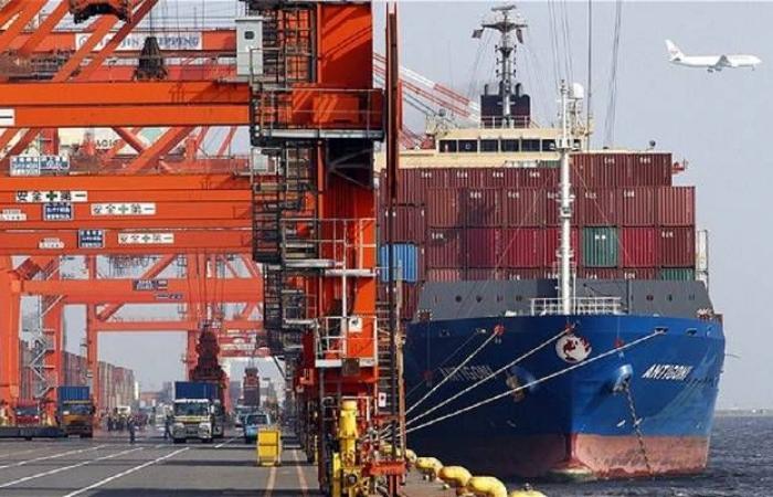 عجز الميزان التجاري الأمريكي يتراجع 7% خلال يناير