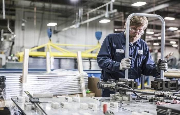 انكماش النشاط الصناعي في الولايات المتحدة خلال مارس